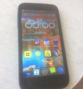 Мобильный телефон Fly Spark Android 4.2.2