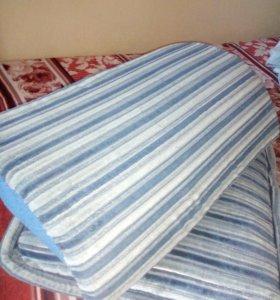 Подушки на диван синего цвета