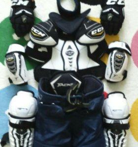 Хоккейная экипировка ССМ ULTRATACKS YTH