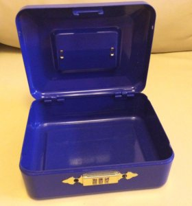 Стальной ящик с кодовым замком (сейф)