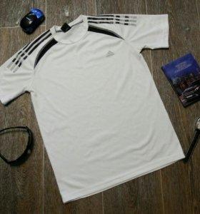 Футболка мужская фирмы Adidas Р. 44 S