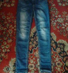 Продам джинсы глория р42