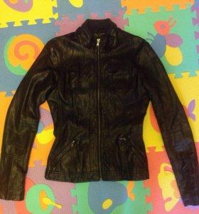 Куртка женская (пресскожа)
