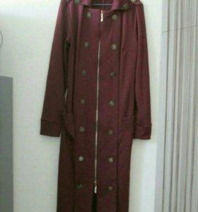 Продам женские пальто 550 руб.