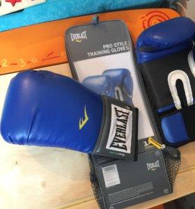 Перчатки боксёрские совершено новые