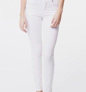 Белые легкие штаны