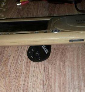 Козырек авто экран 7 дюймов, диск флешка, aux.