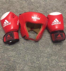 Шлем и перчатки боксерские