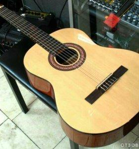 классическая гитар а hohner HC 06