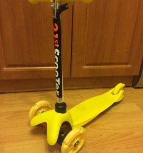 Самокат Scooter Mini Желтый