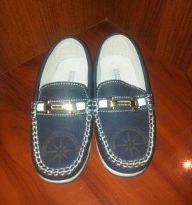 Туфли детские, новые.