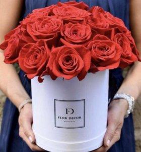 19 красных роз в белой шляпной коробке🎁🌹