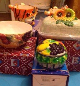 Детские чашки, салатник,маслёнка,сахарница