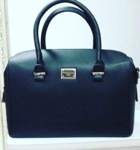 Красивая и удобная сумочка
