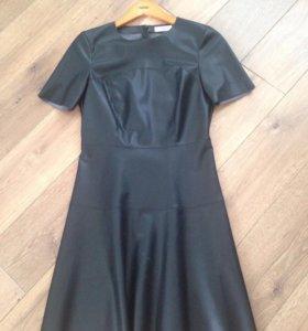 Платье кожаное р 42-44