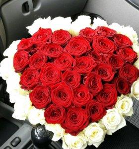51 Роза в Виде Сердца.