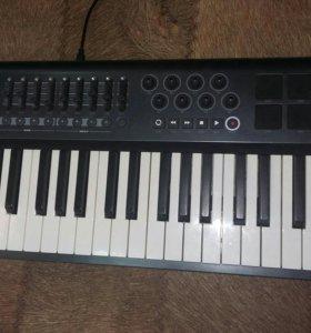 Миди-клавиатура M-Audio