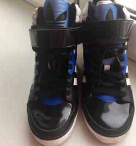 Кроссовки сникерсы Adidas Адидас