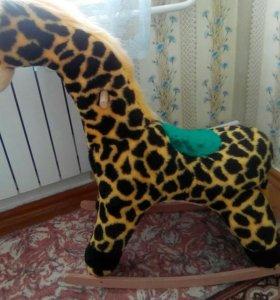 Детская каталка жираф