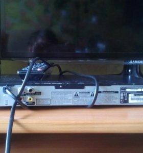 Лазерный видеопроигрыватель(DVD-плеер)