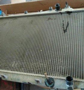Радиатор охлаждения двигателя Honda Stream 1,7