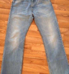 Мужские джинсы Levis