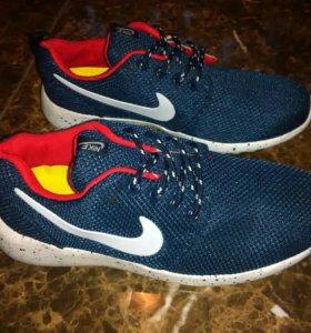 Новые кроссовки  Nike Roshe Run