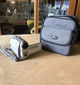 Видеокамера с функцией фотоаппарата