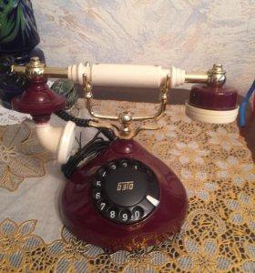 Антикварный телефон