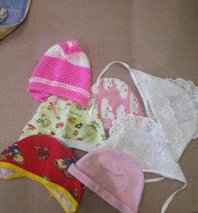 Чепчики и шапочки на малышку