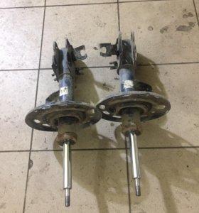 Передние амортизаторы на Nissan teana 2 J32 08-14
