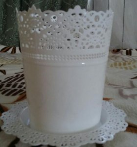 Кашпо пластмассовое белое