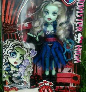 """Кукла Monster High коллекция """"Freak du Chic"""""""