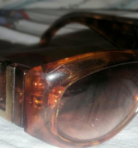 Красивые очки от солнца под леопарда