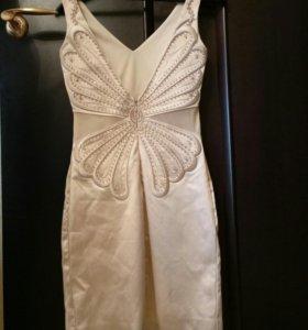 Платье  атласное коктейльное
