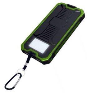 Туристический аккумулятор на солнечной батарее .