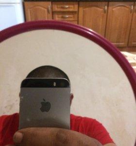 Айфон 5s на 32 гигаб.
