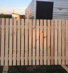 Забор (секция) деревянный из евро штакетника
