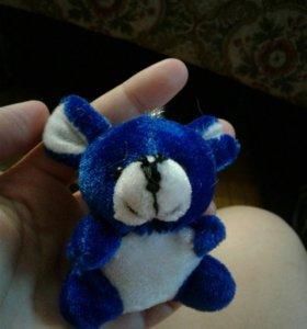 Маленька мышка игрушка