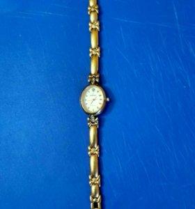 Часы женские новые Romanson