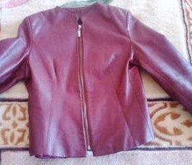 Кожаная куртка, р. 46