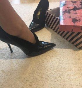 Продаются туфли (новые)