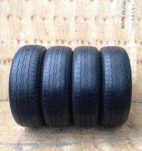 Комплект шин 225/65 R17 Bridgestone Dueler HT 687