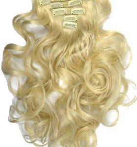 Волосы на заколках блонд .