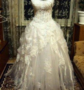 Свадебное платье , прокат 4000 руб .размер 44-48