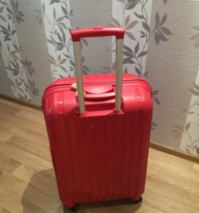 Пластиковый чемодан Baudet 🎒