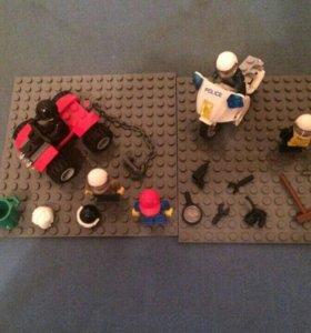 Лего мини-фигурки и мотоцикл с квадроциклом