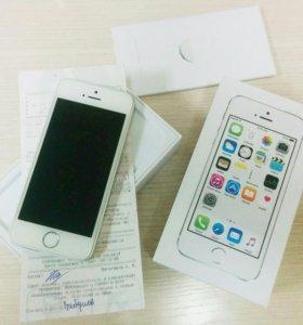 iPhone 5s Silver 16Gb (с чехлом, комплектующими)
