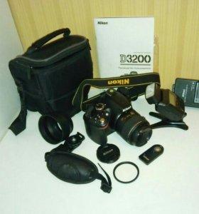 Nikon D3200.