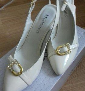 Продаю новые туфли